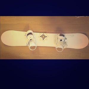 HEAD Snowboard with Bindings